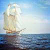 Кораблик в море