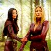 borg_princess: cara/kahlan-hand-holding
