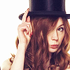 DW Amy hat