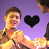 dolnmoon: j2 shaking hands with black heart