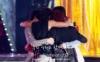 ainto87: award hug