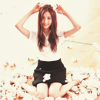 Meena: she's being silly (seohyun)