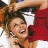 Ольга: в красной блузке и с телефоном
