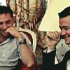 Eames & Arthur: actores *sonriendo*