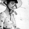 Audrey // hat BW