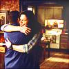 Fernanda: bros:hug