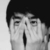 junsu b/w looking through hands