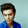 [boys] zefron - such a handsome face.