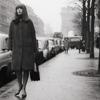 Françoise single in street