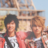yunjae in front of the Eiffel Tower