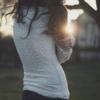 girl_breaking down