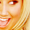Nicole: Ashley Tisdale close-up!