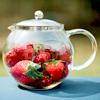 Чайник с клубникой