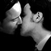 b/w erik/charles kiss