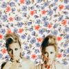 Celeb    Mary-Kate & Ashley Olsen