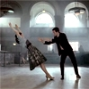 joseph gordon-levitt, bank dance, zooey deschanel