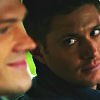 l_niania: What is Cas wearing?