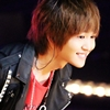 onew | grin