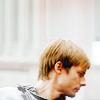 LittleSweettt: [Merlin] Arthur de perfil