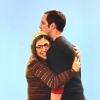 E: big bang theory - shamy hug