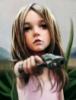 pofigisticus: девочка с пистолетом