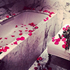 tub with roses