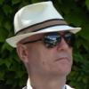 Шляпа и очки