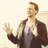 tom hiddleston - hands