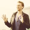 tom hiddleston - hands