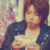 britkit27: aiba perplexed by food