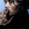 Mads Mikkelsen「Dark」