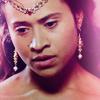 Queen Gwen - Up Close - Merlin