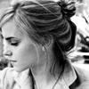 stillsoproud: Emma hiding face