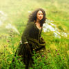 beccathegleek: Claire - Waling In the Grass - Outlander