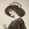 английская актриса и певица, Лили Элси