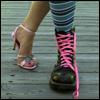 ножки в разных туфлях