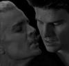 Skytteflickan88: Spangel svartvit nästan-kyss