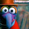 Gonzo - Christmas Carol face left
