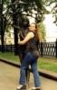 С девочкой под зонтом