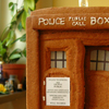 therru: Gingerbread TARDIS