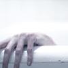 Künstliches Mädchen | ☘Lara Kelley Gallagher☘: Bathhand