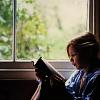 Pix: [Etc] Reading by a window