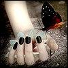 Бабочка в руке