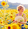 mali_marie: julia_in flowers