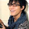 » ryo; glasses make me cutez.