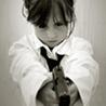 девочка с пистолетом