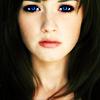 Alexis Bledel: dark blue eyes