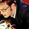 duckbunny: Dr. Who Ten glasses peering at alien goo