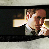 Fox Mulder: frown finger