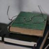 Stock_books_glasses